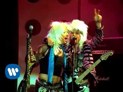 Red Hot Chili Peppers – Dani California [Official Music Video]