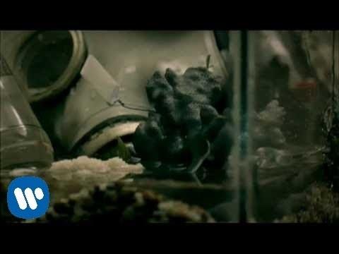 Green Day – 21 Guns [Official Music Video]