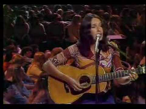Joan Baez –  The Night They Drove Old Dixie Down