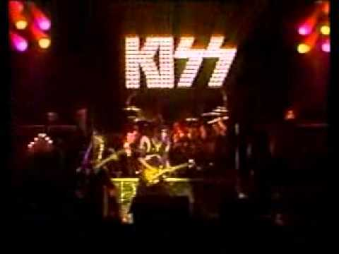 Kiss – Hotter Than Hell & Firehouse Live 1975