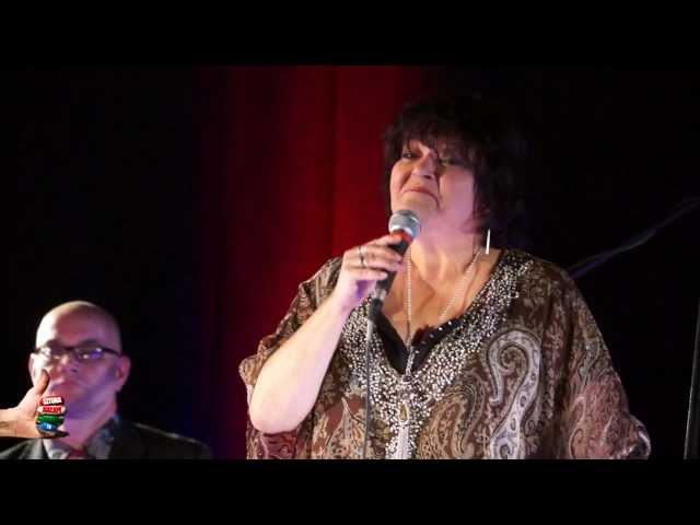 DO WENECJI STĄD DALEJ CO DZIEŃ – Elżbieta Adamiak – Świat Gitarą i Poezją Malowany