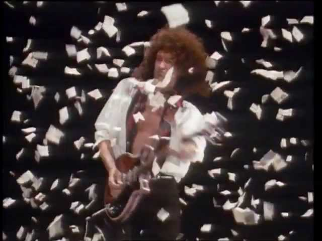 Queen – The Show Must Go On (Official Video)