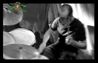 Pawel Kukiz & Piersi – Caluj Mnie