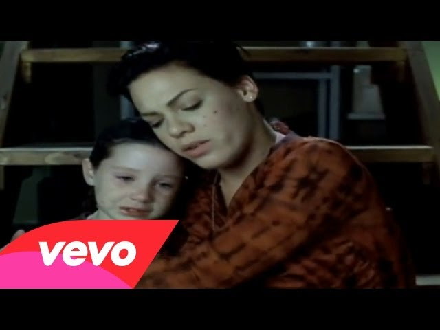 P!nk – Family Portrait