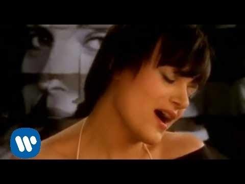 Sylwia Wisniewska – 12 lez [Official Music Video]